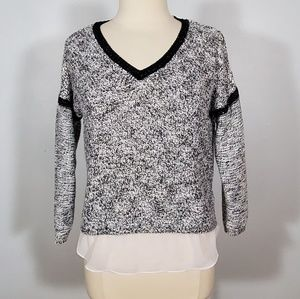 Metaphor White & Black Knitted V-neck Sweater